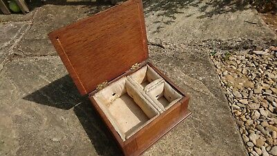 lovely little vintage retro wooden oak trinket jewellery box casket