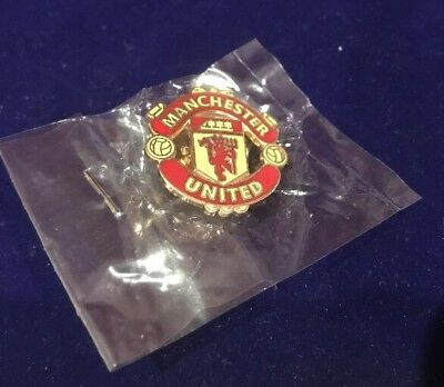 Red Enamel Manchester United Football Team Lapel Pin Badge New In Packet