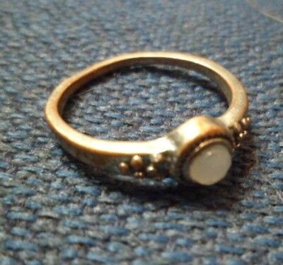 Vintage Silver Tone Ring w/ Creamy Colored  Stone, Great Patina! Size 7 1/2 (68)