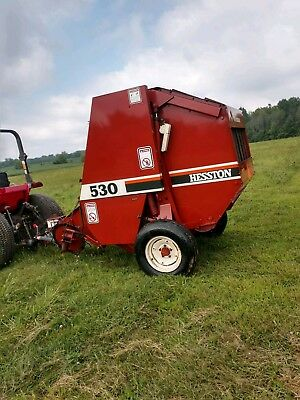 Hesston 530 Round Baler Very Clean -size 4x4.5    CAN SHIP CHEAP