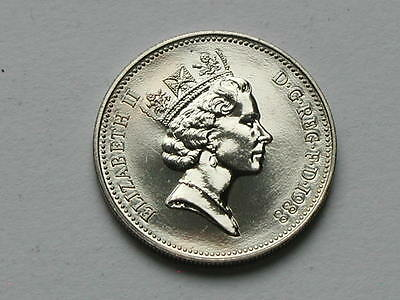 UK (Great Britain) 1988 5 PENCE (5p) Queen Elizabeth II Coin UNC (from mint set)