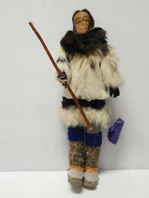 Exceptional Vintage Eskimo / Inuit Indian Doll Holds Bedroll + Long Stick Nr