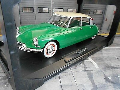 1 18 norev citroen ds 19 green gr n 1956 nr 181480 in ovp. Black Bedroom Furniture Sets. Home Design Ideas