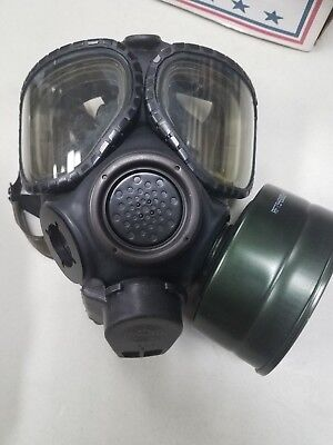 US MILITARY M-40 Gas Mask w/Canvas Bag, Accessories, & Instructions, Size S