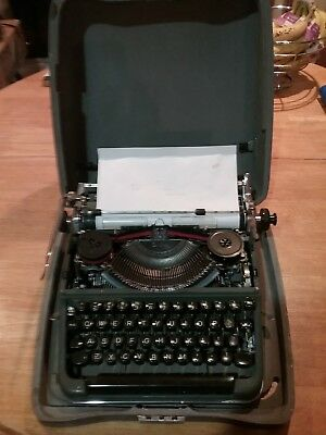 1957 Vintage Olympia SM3 typewriter-Needs top cover