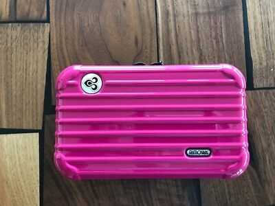 Thai First Class RIMOWA Amenity Kit in Hot Pink
