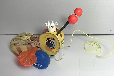 Vintage Fisher Price QUEEN BUZZY BEE Wooden Pull Toy #444 Made in U.S.A.