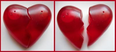 Vintage salt & pepper shaker set - red broken heart / circa 1990 / As New