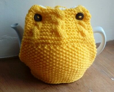 Hand knitted buttercup yellow/cream teapot cover tea cosy - reversible, FREE P&P