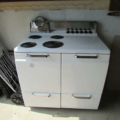 Fabulous Mid-Century Vintage Hotpoint Electric Stove, White w/Chrome, GE 108RB64