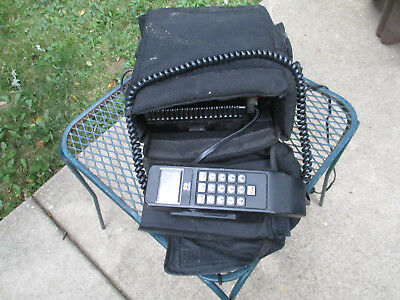 Vintage Novatel FCN 8305A Car Bag Cellular Cell Phone Complete Tested Powers On