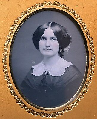 1/6 Plate Daguerreotype - A Vignetted Masterpiece - Stunning Lady In A Full Case