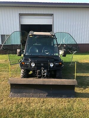 John Deere 6201 XUV Gas Spec Edition/Black with wench and plow (96.7 hours!)