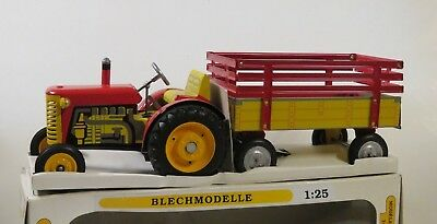 Vintage Toy Tractor & Trailer / Czech Republic / 1:25 Scale / 8-7A