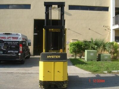 2011 Hyster order picker with 183 hours