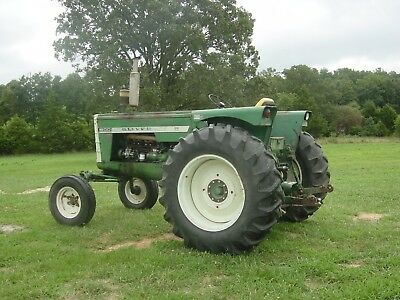 Oliver Tractor Model 1800 Year is a 1962 (Early) Diesel 6 cylinder