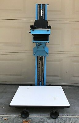 De Vere 504 Commercial Grade Enlarger w B&W Head - In Great condition