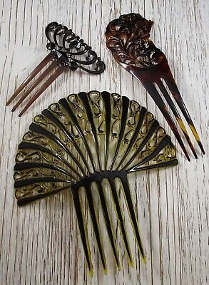 Hair Barrettes Clips Combs Vintage Lot of 3 Plastic