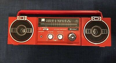 Radio AMFM Portable Sterio Old School Red Windsor