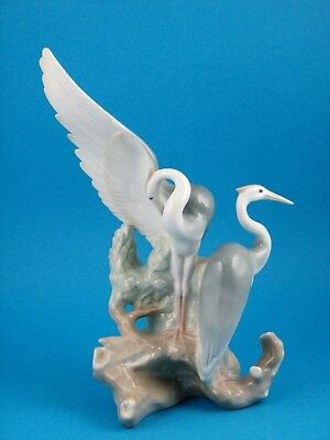 """Resting Heron"" Large NAO Bird Figurine by Lladro #0045"