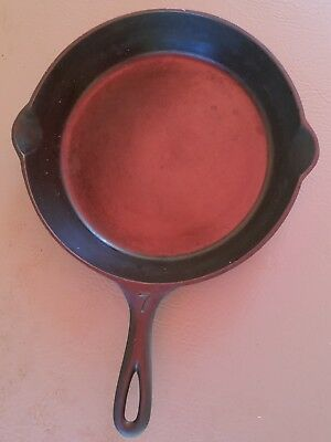 Vintage Antique Lodge Single Notch #7 Raised Letter Cast Iron Skillet c.1930