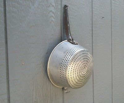 VTG TACUCO Aluminum Wear Ever USA  No. 931 Hanging Handle Strainer Colander