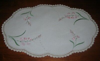 Vintage Hand Embroidered Table Centre Piece/doily~Pink Flowers~Lace Edge~Linen