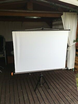 Portable Projector screen Reflecta Lux 1300mm Made in Germany