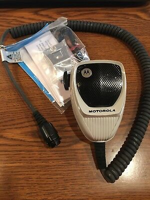 NEW! Motorola Palm Microphone HMN1090C w/hangup Clip included