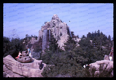 (41) Vintage 1963 35mm Slide Photo - DISNEYLAND - Tom Sawyer's Island?