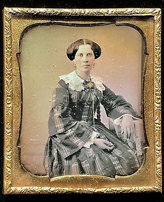 1/6 Plate Daguerreotype - Attractive Bejeweled Lady In Rare Wolfert's Roost Case