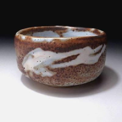 DN7: Vintage Japanese Pottery Tea Bowl of Shino Ware, Brown and white