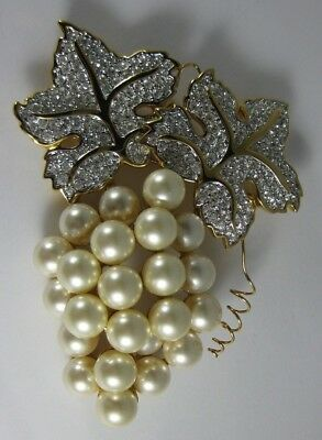 Retired SWAROVSKI Crystal Faux Pearl Bunch of Grapes Pin Brooch Swan Signed