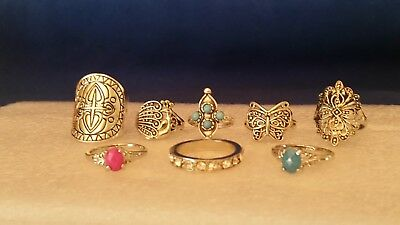 This is a nice lot of ladies vintage rings from an estate