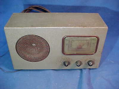 1940s SPARTON RADIO Model 6A-66 by SPARKS WITHINGTON Co PLAYS Good