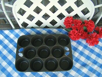 Griswold Cast Iron #10 Pop-Over or Muffin Pan – #949 – Cleaned and Seasoned