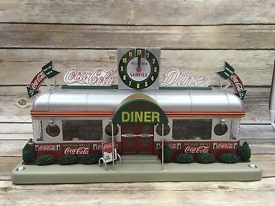 Danbury Mint The Coca Cola Diner Clock 1940's Lighted O-Scale Building