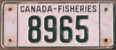 Canada Fisheries BOAT 1966  license plate 8965