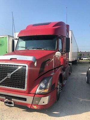 2007 Volvo 780 Good Working truck lot of new parts see detail