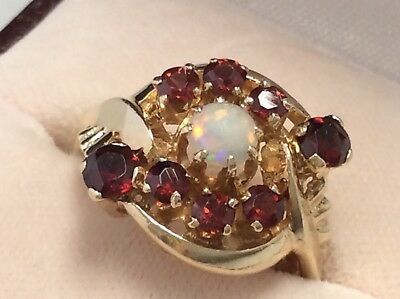 Vintage 14K Yellow Gold Garnet & Opal Gem Stone Cocktail Ring  - Size 6.5