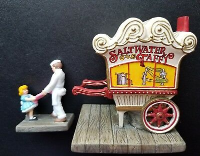 """Dept 56 Christmas in the City """"Saltwater Taffy Boardwalk Booth"""" #59465 Retired"""