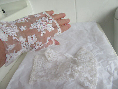 Vintage White lace Fingerless Mittens.Found in the Attic.Will fit medium hand