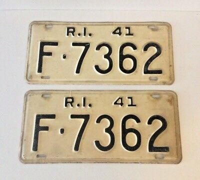 A Pair (2) Of Vintage Rhode Island License Plates - 1941
