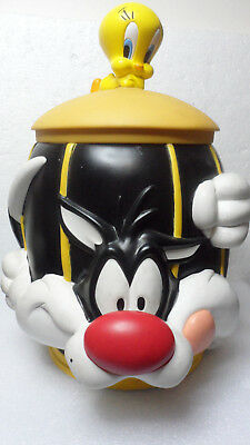 Warner Bros. Loony Tunes Sylvestor & Tweety Cookie Jar  1997 Applause 11""