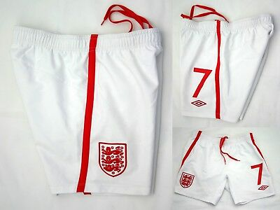 ENGLAND - UMBRO  FOOTBALL SHORTS  No7 - Size  Children MB Boys 146 cm ' 26-30 ''