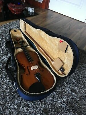 "Stentor Student II 15.5"" Viola with Hard Case and Bow Included"