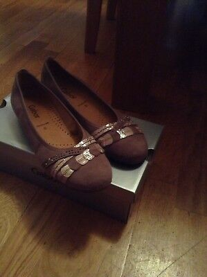 Gabor Ladies' size 5 beige leather pumps in brand new condtion