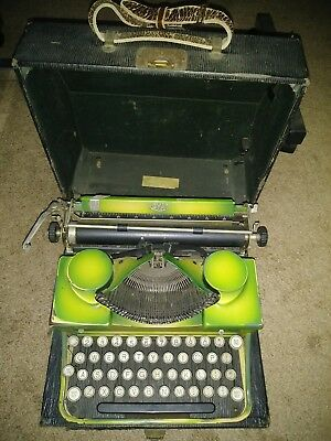 Antique 1930,s Royal  Typewriter Two Tone Green   RARE