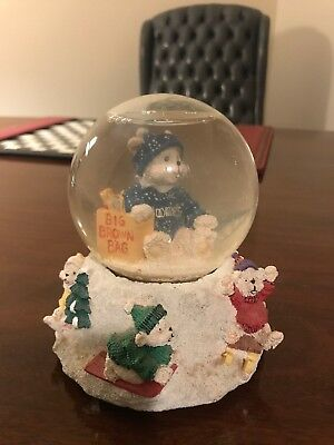 BLOOMINGDALE'S  Christmas Winter Holiday  SNOW GLOBE 1995 Limited Edition