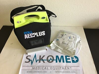 ZOLL AED PLUS / NEW Battery and NEW Adult CPR D-Pad and Carry case